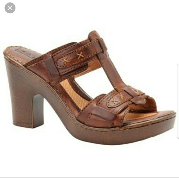 036c8742f03bf Born Shoes - Born t-strap chunky heel sandal Beam distressed 8